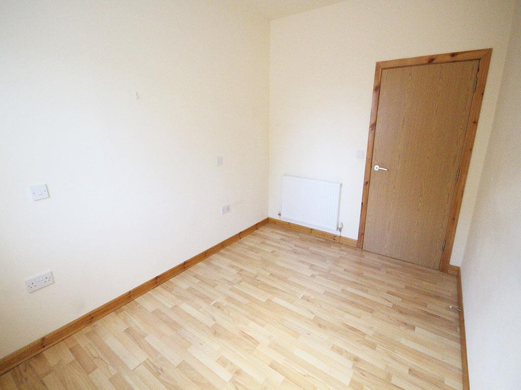2 bedroom apartment To Let in Colne - IMG_3442.jpg